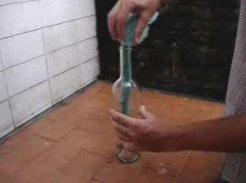 Como-sacar-un-corcho
